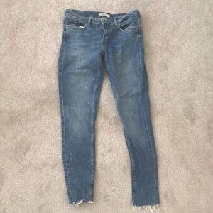 Zara medium wash & rise skinny jeans worn 3 times